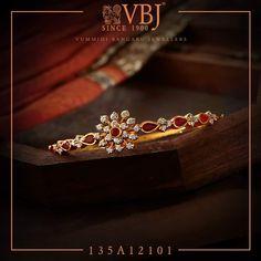 Plain Gold Bangles, Gold Bangles Design, Gold Earrings Designs, Gold Jewellery Design, Bead Jewellery, Gold Bangle Bracelet, Diamond Bangle, Bangle Set, Diamond Jewelry