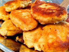 Dieses Thermomix Rezept für Chicken Nuggets ist schnell gemacht - und vor allem weiß man endlich, was wirklich drin ist. Saftige Nuggets mit einer knusprigen Panade die allen Kindern schmecken.