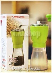 Máy xay cà phê tay Tiamo HG-606 Là loại máy xay cafe tay duy nhất chuyên dùng cho những người thực sự yêu thích việc xay pha cà phê tại nhà… Xem chi tiết sản phẩm: http://dungcucaphe.com/san-pham/may-xay-ca-phe-tay-tiamo-hg-606/