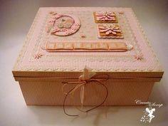 Caixa decorada rosa com nome. R$ 60,00