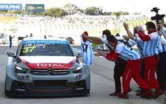 El piloto de Citroën se alzó con el entorchado del Mundial de Turismos en el circuito japonés de Suzuka. Tras proclamarse campeón del mundo, el argentino recordó a ases del volante como Juan Manuel Fangio y Ayrton Senna.