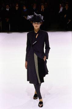 Yohji Yamamoto - Spring 1999 Ready-to-Wear