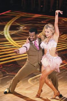 The Carlton Is Coming to Dancing With the Stars Season 19, Week 4! Get ready to Carlton, y'all! Alfonso Ribeiro has been kicking butt and taking names over the first few weeks of  Dancing With the Stars Season 19, but he's yet to break out the signature dance we all know and love from his days as Carlton Banks on The Fresh Prince of Bel-Air. Well, that's all about to change.