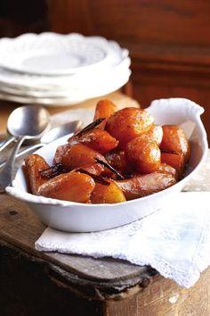Ek het klein patats gebruik, want Leipoldt sê jy moet die patats heel hou. African Sweet Potato Recipe, Sweet Potato Recipes, Veg Dishes, Vegetable Dishes, Vegetable Recipes, Potato Dishes, South African Dishes, South African Recipes, Indian Recipes
