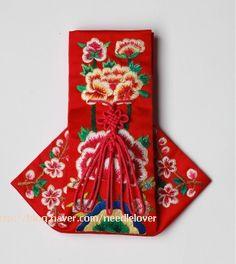 Vogue Korea, Beautiful Costumes, Korean Art, Korean Traditional, Embroidery Patterns, Folk Art, Diy And Crafts, Banner, Stitch