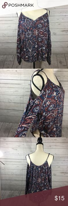 Abercrombie & Fitch Cold Shoulder Paisley Top Cold shoulder top with adjustable straps. Perfect paisley pattern for fall, with button detail along collar of shirt. In perfect condition-tag is detached on one side. Abercrombie & Fitch Tops