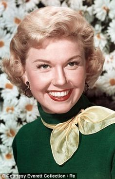 Doris Day - How smiles lost out to the pout and SELFIES are to blame | Daily Mail Online