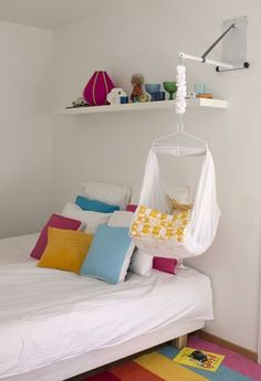 Rocking your baby is amazing. Check out this beautiful hammock. Please use good judgement with baby hammocks. Never leave your baby unattended in a baby hammock; The Babys, Hanging Bassinet, Hanging Cradle, Hanging Crib, Hanging Hammock, Baby Hammock, Diy Bebe, Shower Bebe, Blog Deco