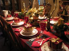 Designs by Pinky: ~~~Our Christmas Table~~~