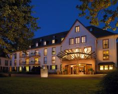 Leading Hotels of the World - Kempinski Hotel Gravenbruch, Frankfurt, Germany Top Hotels, Hotels And Resorts, Best Hotels, Kempinski Hotel, Leading Hotels, Frankfurt Germany, Hotel Reviews, Beautiful Places, Around The Worlds
