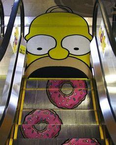 Publicité sur escalier roulant  Advertising on escalator