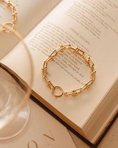 Cream Aesthetic, Gold Aesthetic, Classy Aesthetic, Aesthetic Vintage, Photo Jewelry, Cute Jewelry, Jewelry Accessories, Fashion Jewelry, Jewelry Design