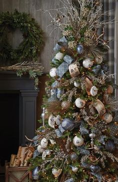 Raz Imports Christmas Themes for 2017 Pre Decorated Christmas Tree, Beautiful Christmas Trees, Christmas Tree Themes, Noel Christmas, Rustic Christmas, Christmas Tree Decorations, Elegant Christmas, Christmas Wreaths, Christmas Crafts
