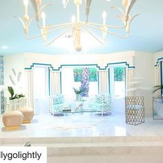 Sweet dreams of pretty shades of blue, sunshine, and views of Palm Trees from the #MasterSuite we designed at #villagolightly , as we await the Blizzard of 2017 here in New England ❄️❄️#takemeback #PalmSprings  #christopherkennedycompound #modernismweek #interiordesign #decoratewithcolor #blueandwhite #Repost @kellygolightly with @repostapp  ・・・  Hard to believe over 2000 people came through #thechristopherkennedycompound @modernism_week showhouse #villagolightly yesterday! And got to s...
