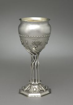 American sterling silver Art Nouveau style vase - by Theodore B. Starr, New York, c1900 (Cleveland Museum of Art) | JV