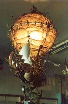 Incredible steam punk Zeppelin - All About Decoration Lampe Steampunk, Steampunk Home Decor, Steampunk Airship, Steampunk Furniture, Steampunk House, Steampunk Bedroom, Steampunk Design, Steampunk Costume, Dieselpunk