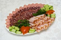 Buffet, Party Platters, Food Decoration, Meat Chickens, Keeping Healthy, Canapes, Charcuterie Board, Antipasto, Food Art