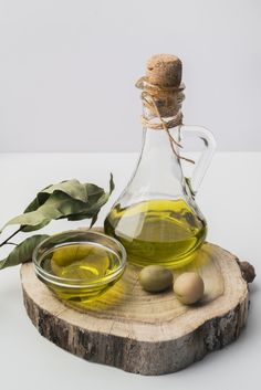 Olives, Edible Oil, Olive Oil Bottles, Cooking Ingredients, Cooking Oil, Food Design, Food Styling, Food Inspiration, Italian Recipes