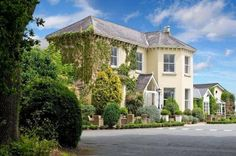Summerhill House Hotel Enniskerry This beautiful country-house hotel on the edge of Enniskerry features spacious rooms and seasonal cuisine, 5 minutes' walk from Powerscourt House and Gardens. Dublin can be reached in a 30-minute drive.