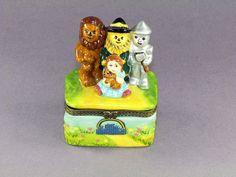 New Wizard of Oz Trinket Box Dorothy Scarecrow Lion & Tinman with Basket Inside