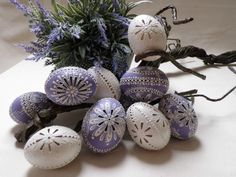 madeira Carved Eggs, Egg Tree, Egg Decorating, Gourds, Easter Crafts, Tree Decorations, Easter Eggs, Wax, Carving