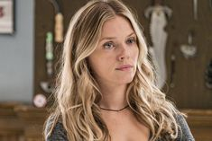 In a sneak peek at Wednesday's Chicago P., Ruzek (Patrick John Flueger) and Upton (Tracy Spiridakos) try to keep their fling a secret. Balayage Long Hair, Blonde Balayage, Tracy Spiridakos, Tv Show Outfits, Chicago Shows, Chicago Med, Wattpad, Hollywood Life, Classy And Fabulous