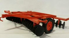 Ertl-Case-Disc-1-16-diecast-metal-farm-implement-replica-collectible-toy