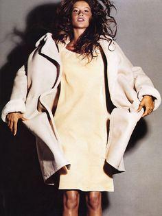 Vogue Editorial October 1999 - Gisele Bundchen, Lisa Ratliffe & Kiara Kabukuru by Michael Thompson  Photographer: Michael Thompson Fashion Editor: Elissa Santisi Hair: Recine Makeup: Scott Andrew Models: Gisele Bündchen, Lisa Ratliffe & Kiara Kabukuru