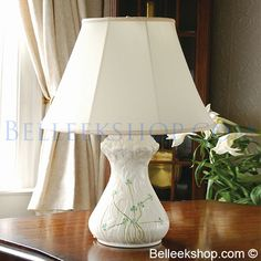 Belleek Daisy Lamp & Shade (US Fittings) Belleek Pottery, Pottery Vase, Celtic Decor, Asian Lamps, Irish Decor, Floral Texture, Lamp Bases, Cottage Style