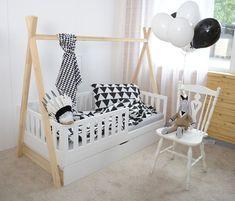 Zum Verkauf stehen unsere (minimidi design auf fb) wunderschöne Hausbetten aus Kiefernholz in verschiedenen Größen. Preis für ein Bett in 140x70 ist 320 inkl Versand, Lattenrost und...