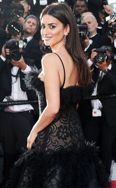 Penelope Cruz from The Big Picture: Today's Hot Photos Simply stunning! The actress has all cameras on her at at the screening of Everybody Knows at the opening gala of the 71st annual Cannes Film Festival.