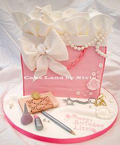 Fashion birthday cake - by Nivia @ CakesDecor.com - cake decorating website