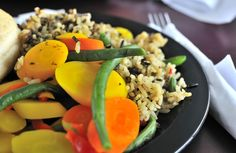 healthy rice and vegetable set meal suitable for a diet meal. Healthy Rice, Healthy Diet Plans, Healthy Eating, Diet Recipes, Vegetarian Recipes, Healthy Recipes, Healthy Snacks, Fat Smash Diet, Cottage Cheese Nutrition