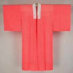 Pink nagajuban / 蛍光朱色の麻の葉柄が若々しい長襦袢   #Kimono #Japan http://global.rakuten.com/en/store/aiyama/