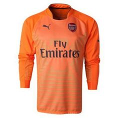 bb2e51575f4 Arsenal FC pride themselves on competing for every major title. Despite  many shortcomings Arsenal always makes its presence known. Get the Arsenal  Soccer ...