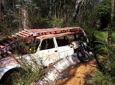Mountainbike bikepark car wreck obstacle
