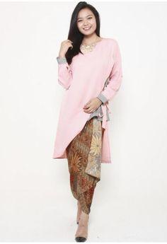 2b4da872aae Buy Women s ETHNIC WEAR DRESSES Online