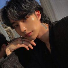 Im luon December 11 2019 at fashion-inspo Korean Boys Hot, Korean Boys Ulzzang, Ulzzang Boy, Korean Men, Korean People, Cute Asian Guys, Asian Boys, Asian Men, Cute Guys