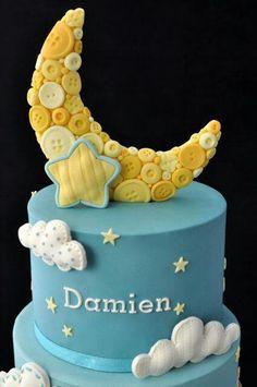 Taart fondant maan en knopen / fondant cake moon & buttons. Sugar High. Www.hierishetfeest.com