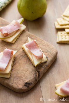 Havarti, Pear, & Smoked Ham Crackers: Thick slices of buttery Havarti cheese topped with ripe pear and smoked ham on crisp crackers. @jlphaneuf