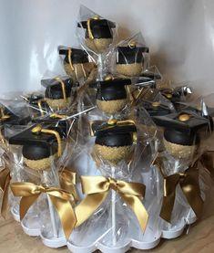 Graduation Cake Pops, Graduation Party Desserts, Grad Party Decorations, Graduation Party Planning, Graduation Cookies, Graduation Celebration, Graduation Party Decor, Grad Parties, College Graduation