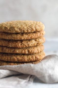 Chewy Flourless Oatmeal Cookies Flourless oatmeal cookies that are soft, chewy, and super easy to make with only one bowl and 7 healthy ingredients. Gluten-free and delicious. Flourless Oatmeal Cookies, Almond Flour Cookies, Almond Flour Recipes, Oatmeal Raisin Cookies, Vegan Oat Cookies, Oatmeal Protein Cookies, Oatmeal Biscuits, Buckwheat Recipes, Gluten Free Cookies
