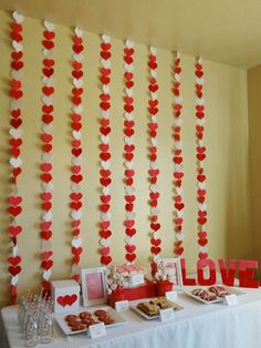 47 Romantic Table Decoration Ideas for Valentine's Day  #decoration #dinner #diyhomedecor #homedecor