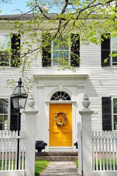 Ideas Colonial Front Door Ideas Exterior Paint Colors For 2019 Colonial Front Door, Exterior Front Doors, Dutch Colonial, Colonial House Exteriors, Colonial Exterior, Exterior Design, Yellow Front Doors, Front Door Colors, Exterior Paint Colors For House