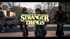 Wie es aussehen würde, wenn die Horror-Serie Stranger Things das Genre wechseln und sich als 80er-Sitcom präsentiert würde, zeigt uns Youtube-Nutzer Tim Bennett. Er hat der Netflix-Serie der Duffer Brothers einen neuen Anstrich verliehen und einen rund eine Minuten langen Fake-Trailer zur 80er-Sitcom Stranger Things gebastelt und sich dazu natürlich die lustigsten Szenen der Serie [ ]