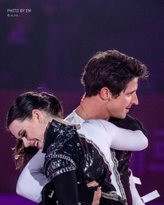 Full credits to owner Virtue And Moir, Tessa Virtue Scott Moir, Ice Skating, Figure Skating, Tessa And Scott, Ice Dance, Champs, Olympics, Skate