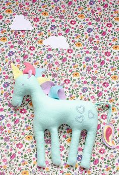 How to make a felt unicorn plushie - Mollie Makes Sewing Toys, Sewing Crafts, Sewing Projects, Craft Projects, Felt Diy, Felt Crafts, Diy And Crafts, Felt Keyring, Mollie Makes