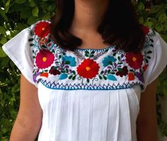 Mexican Blouse, Mexican Outfit, Mexican Dresses, Top Boho, Boho Tops, Embroidery On Clothes, Embroidered Clothes, Embroidery Stitches, Hand Embroidery