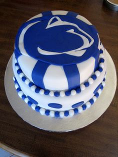 Penn State Cake!! <3 I'm pretty just sputtering...I have no words for how much I want this cake at my wedding!