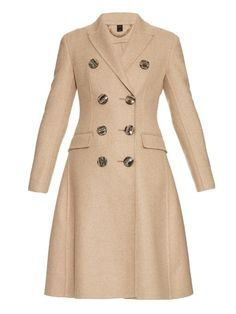 BURBERRY Double-Breasted Cashmere Coat. #burberry #cloth #coat